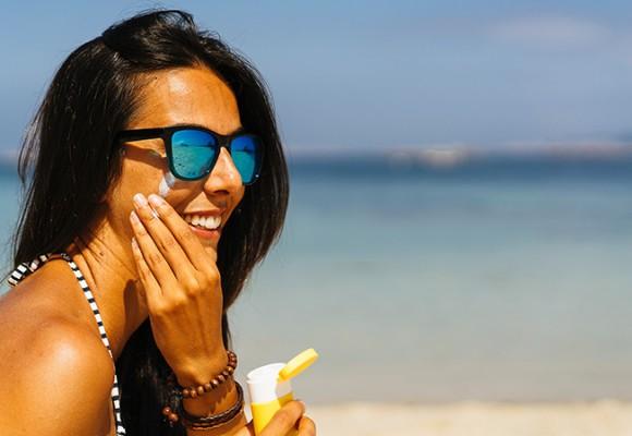 Como elegir la mejor protección solar facial para todo el año